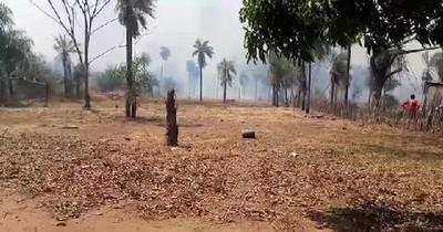 La Nación / Reportan quema de pastizales en ruta entre Areguá e Ypacaraí