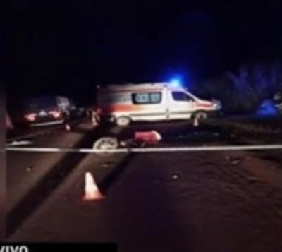 Accidente en Itapúa: Motociclista fallece al chocar contra un camión