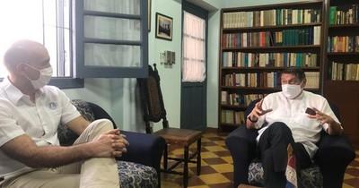 La Nación / Ministro de Salud y Monseñor analizan realización de la festividad de Caacupé