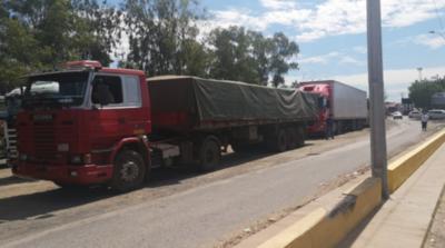 HOY / Levantan bloqueo de rutas para camioneros paraguayos