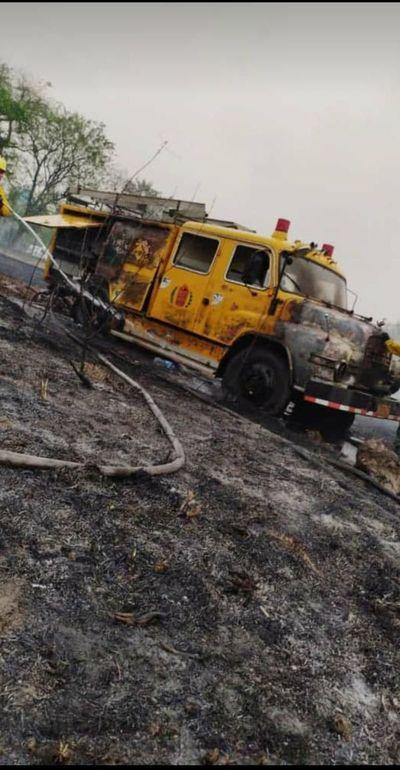Carro de bombero ardió durante combate de incendio en Ypacaraí