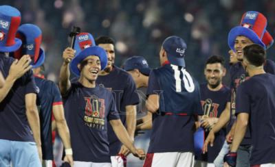 HOY / Mario Abdo saluda a Cerro Porteño por el campeonato