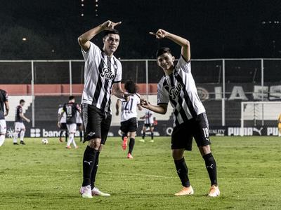 Libertad se recupera goleando a San Lorenzo