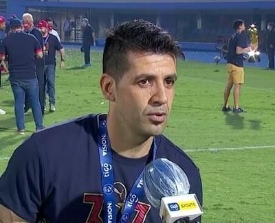 Popi Muñoz celebra y dedica el título azulgrana
