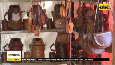 Expo Cuero oha'ãrõ umi turista Atyrápe ko ára guive