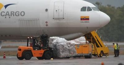 La Nación / Solicitan derogación del decreto que eleva tasas aeroportuarias