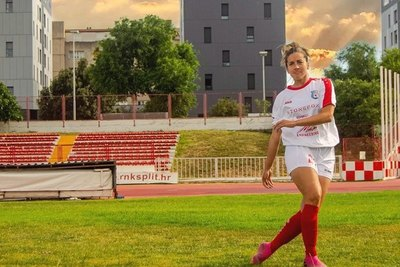 "Crónica / Jessica Santacruz: ""El hombre no es el dueño del fútbol"""
