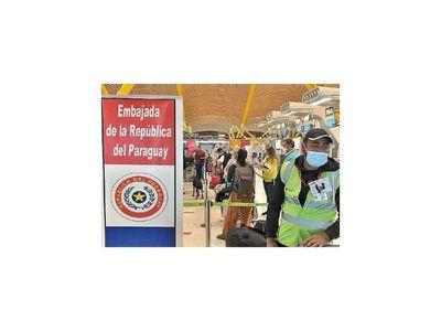 Llegan repatriadas 120 personas de España y más  países