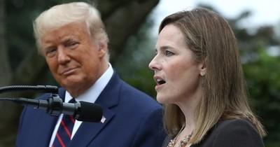 La Nación / Trump nombra a la jueza conservadora Amy Coney Barrett a Corte Suprema