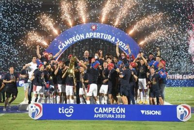 El pueblo está de fiesta: Cerro Porteño, histórico y fantástico campeón