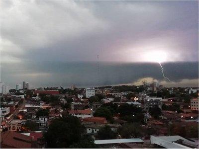Domingo caluroso con tormentas eléctricas, anuncia Meteorología