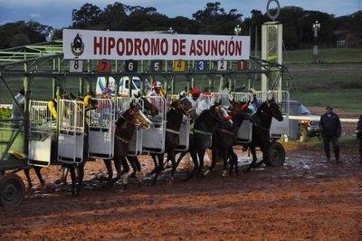 Destacados campeones corren el Gran Derby de Asunción