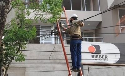 HOY / Miles de usuarios quedaron sin energía eléctrica: Ande responsabiliza a fuertes vientos