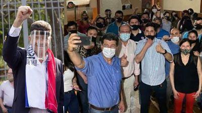 ''Paraguay tiene que independizarse de la mafia'' señala Efrain Alegre en su recorrido por Misiones