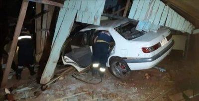 CDE: Policía protagoniza grave accidente tras impactar contra una casa