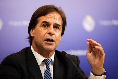 Presidente uruguayo alude al verano europeo para frenar apertura de fronteras