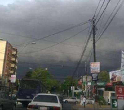 Domingo con tormentas eléctricas