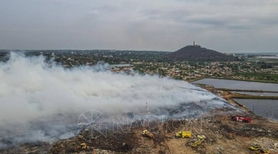 HOY / Situación incontrolable en Cateura: focos de calor siguen activos pese a intensos trabajos