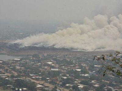 Pese a amplio despliegue, no se puede controlar incendio en Cateura
