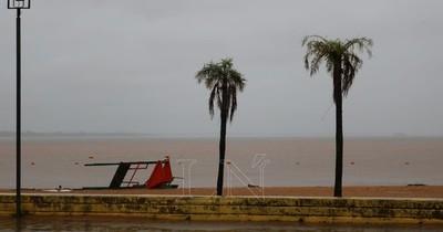 La Nación / Ráfagas de vientos superaron los 100 km/h