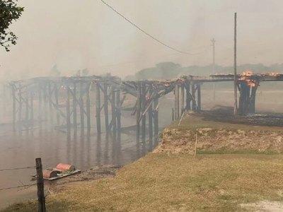 Crónica / MOPC reparará puente afectado por el incendio