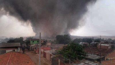 Incendio de gran envergadura en Cateura