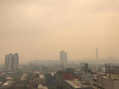 Dantesco: Al covid se le suma el humo de los incendios, lo que empeora la situación de los pacientes