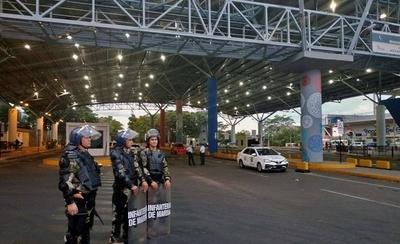 HOY / Comerciantes esteños emplazan al Gobierno para apertura  del puente