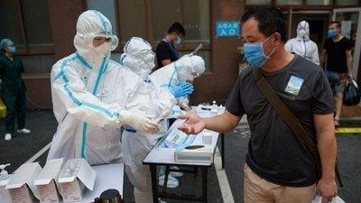 China: miles de personas reciben vacunas contra la COVID-19 que no han sido probadas, con riesgos desconocidos
