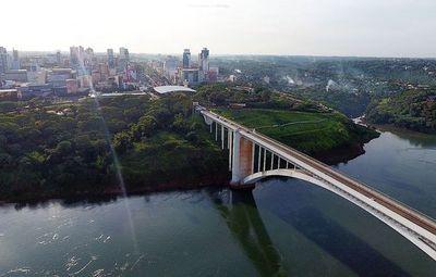 Sin protocolo ni fecha definida para reabrir el puente, pero adelantan nuevo protocolo para repatriados