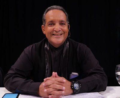 Oscar Tuma defenderá al profe Nelson Valenzuela en la querella que le entabló Marly