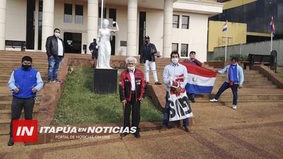 JUICIO CONTRA ROCCA SUSPENDIDO,  LA ABOGADA SE HABRÍA SOMETIDO A PRUEBA DE COVID 19.