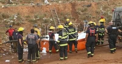 La Nación / Petropar se compromete a proveer de combustible a bomberos