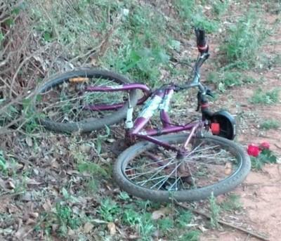 Niño de 10 años iba en su bici,  cayó a la cuneta y murió: ¿Accidente personal o le chocaron?