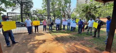 Se manifiestan contra invasión de un área forestal