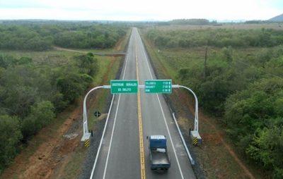 Abdo Benítez afirma que cumple promesa al dotar de rutas a Itapé
