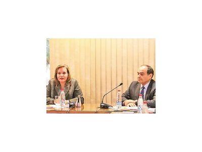 Lilian Samaniego presentará informe sobre RREE mañana