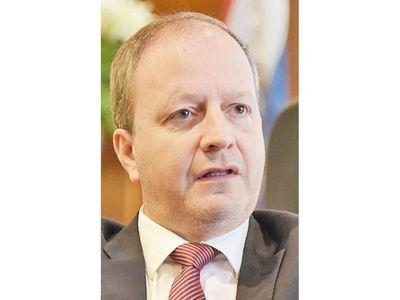 Ex altos funcionarios brindaron su parecer sobre el PGN 2021
