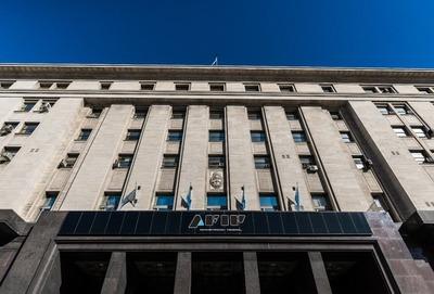 """AFIP tiene a Paraguay entre """"no cooperantes"""" y se plantea impuesto que alcanzaría a argentinos residentes en nuestro país"""
