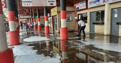 Realizan limpieza en la Terminal de Ómnibus de Coronel Oviedo