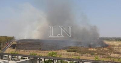 La Nación / Nuevo incendio afectó en zona del aeropuerto