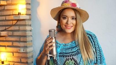 La cantante Cielito Fernández recibió un reconocimiento en Argentina