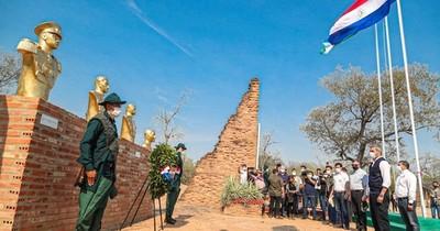 La Nación / Mario Abdo rindió homenaje a héroes de la Batalla de Boquerón