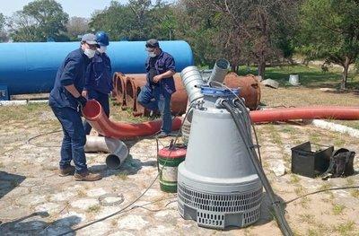 Instalan bombas de succión de emergencia para garantizar provisión de agua potable