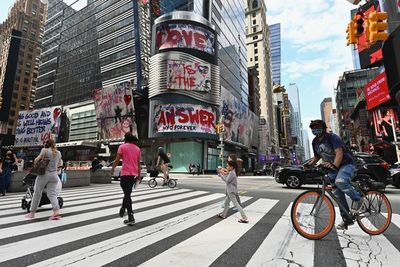 Alarma en Nueva York por fuerte alza de casos positivos al coronavirus