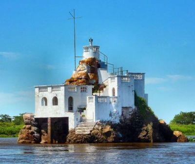 El Peñón de Limpio atrae turistas en medio de la histórica bajante del río Paraguay