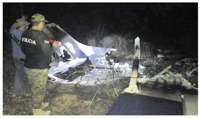 Chaco: Hallan avión ligero siniestrado y cuerpos enterrados en la cabecera de aviación