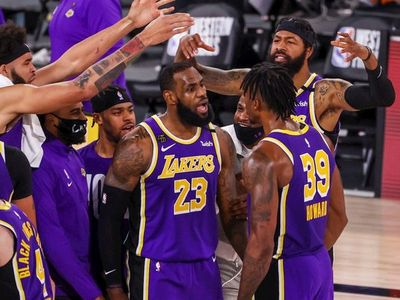 Lakers, con James, parten favoritos a conseguir su 17º título ante Heat