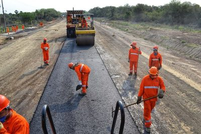 Corredor Bioceánico registra 51,87% de avance con 106 kilómetros de ruta asfaltada