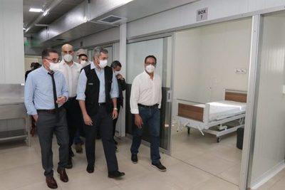 Inauguran pabellón de contingencia en Hospital Acosta Ñu